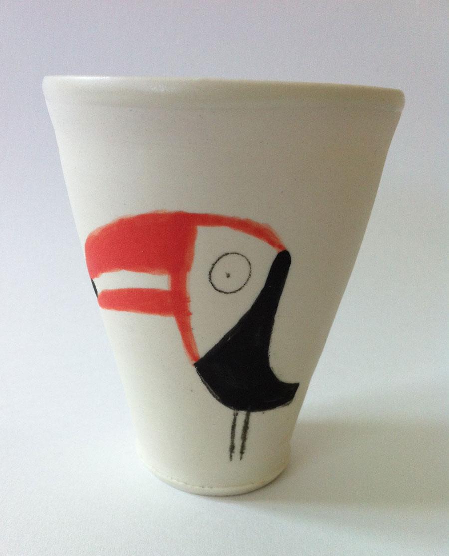 Oiseaux dessinés sur un mug en céramique par Nathalie Dieterlé